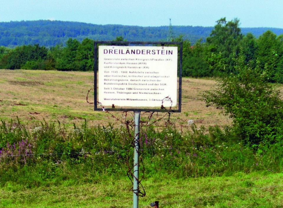 Grenzstein zwischen Königreich Preußen (KP), Kurfürstentum Hessen (KFH) und Königreich Hannover (KH), seit 3.Oktober 1990 zwischen Hessen, Thüringen und Niedersachsen